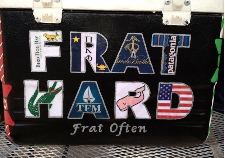 Pike flag on R and southern tide on D