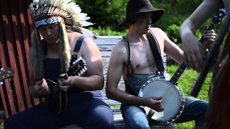 A Bluegrass Cover of Iron Maiden's 1983 Heavy Metal Song 'The Trooper' by Steve'n'Seagulls