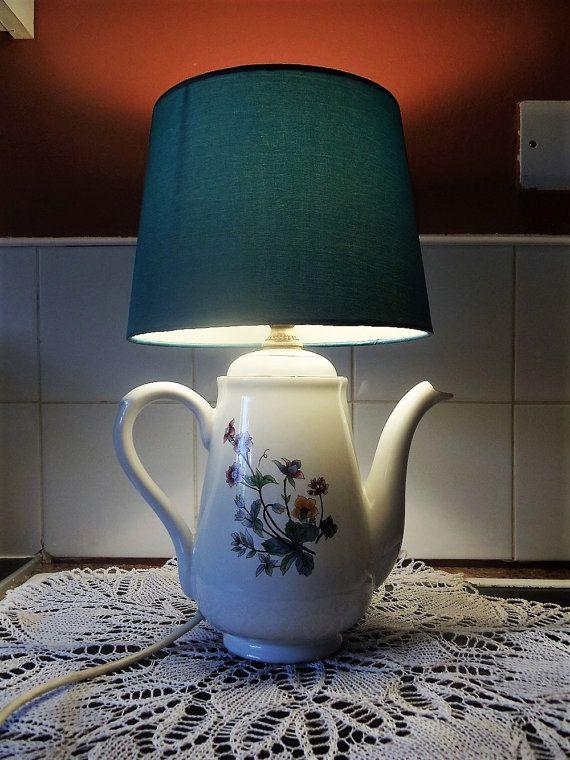 Handgemaakte vintage theepot tafellamp €27.36 - NV