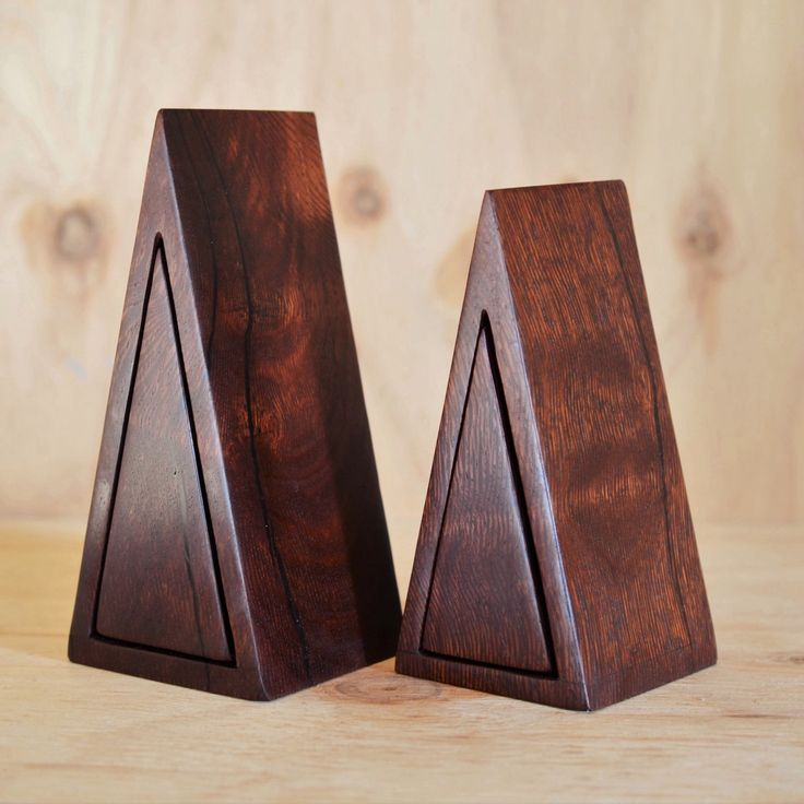 Woody Pear Isosceles boxes
