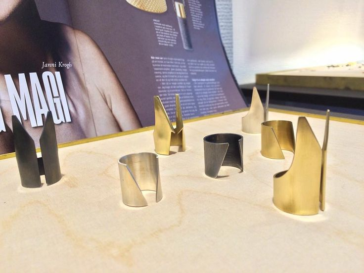 Janni Krogh Jewellery. MY LITTLE WARRIORS... SHOWOFF and CLIFF fingerring 18kt gold and black oxidized silver.