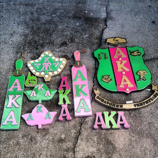 Alpha Kappa Alpha gift ideas for your little. Get some inspiration for paddles, plaques, and letters. #AKA