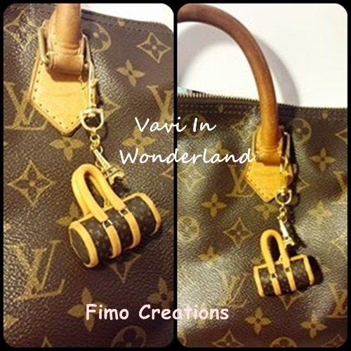 Guarda questo articolo nel mio negozio Etsy https://www.etsy.com/listing/219668451/keychain-purse-hook-replica-bag-vintage