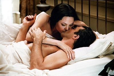 "Angelina Jolie & Antonio Banderas en ""Pecado Original"" / ""Original Sin""Hot Movie, The Originals Sinful Movie, Antonio Banderas, Gold Kisses, Hot Kisses, Angelina Jolie, Perfect Kisses, Sinful 2001, Banderas En"