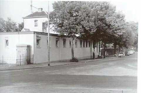 Het badhuis aan de Badhuisweg