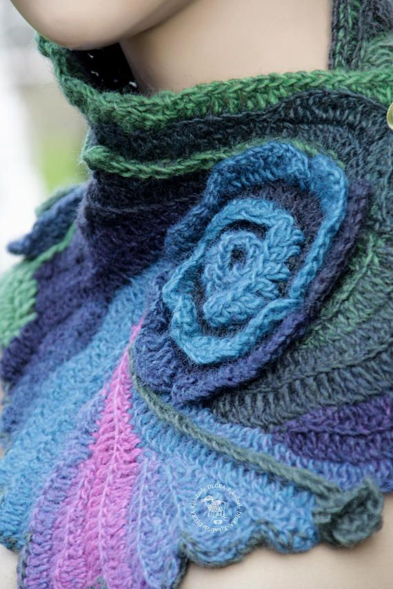 Crochet Scarf Unique Capelet Pink Blue Green Neck Warmer Roses