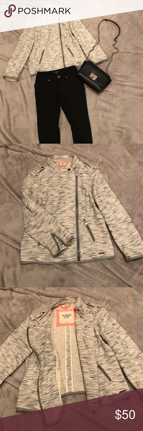 Abercrombie and Fitch jacket In VGUC it is a light heather gray 3/4 sleeve jacket (pants available in a separate listing) Abercrombie & Fitch Jackets & Coats