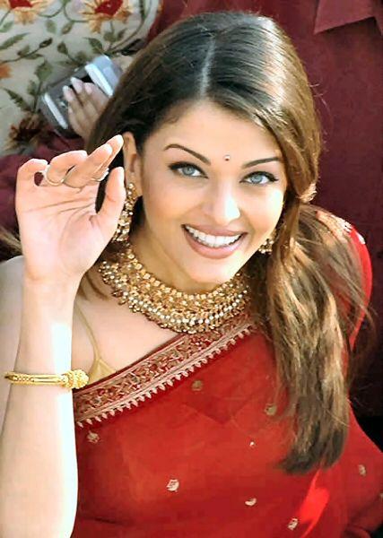 aishwarya rai... always looking so gorgeous, love her make up in this shot.