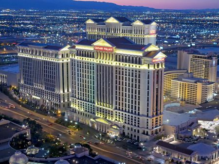 Here are your top picks of rooms inside the Caesars Palace Las Vegas Suites! https://www.hotelsdifferently.com/blog/2017/01/caesars-palace-las-vegas-suites/ …