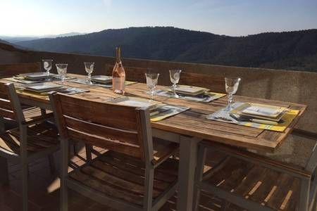 Vyhraj noc v Nice town house with terrace and view - Řadové domy k pronájmu v Claviers na Airbnb!