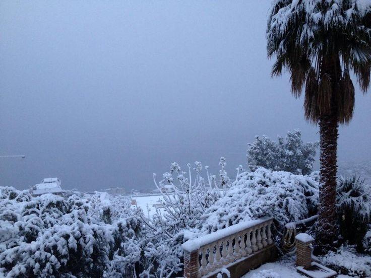 neve a Taormina, Sicilia, 31 dicembre 2014
