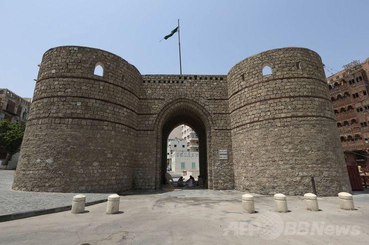 紅海(Red Sea)に面したサウジアラビアの港湾都市ジッダ(Jeddah)の旧市街にある、「ジッダの扉」。ジッダの歴史地区は21日に世界遺産に登録(Bab al-Jadid、2014年6月22日撮影)。(c)AFP ▼27Jun2014AFP|【特集】2014年、新たに登録された世界遺産 http://www.afpbb.com/articles/-/3018695