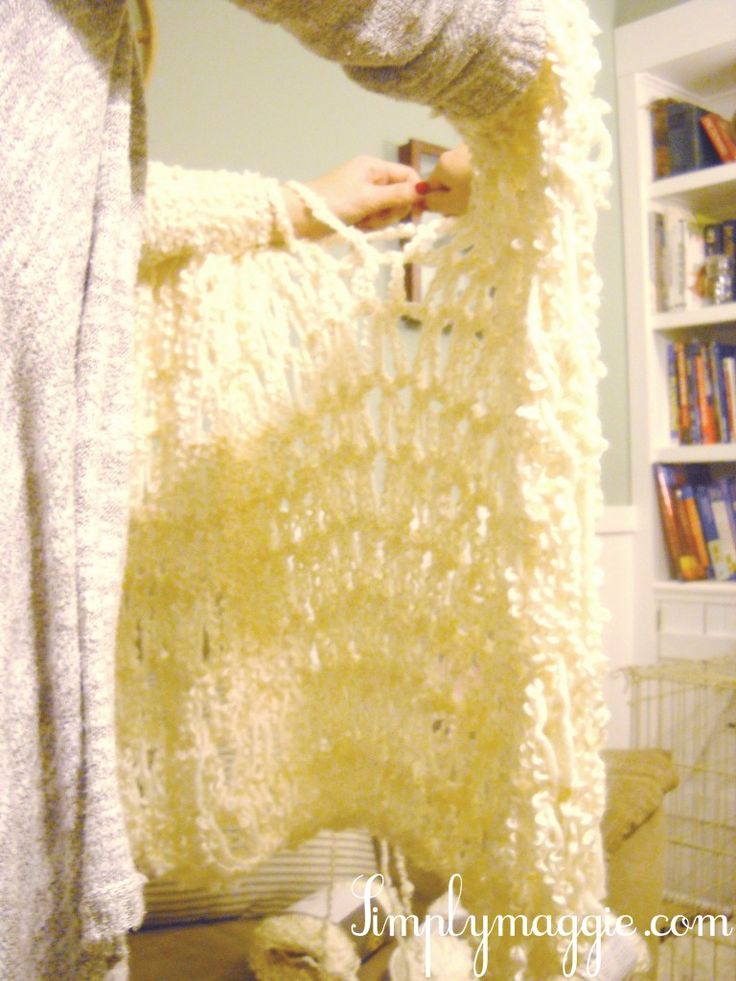 Arm knit a blanket in one hour! Same idea as the arm