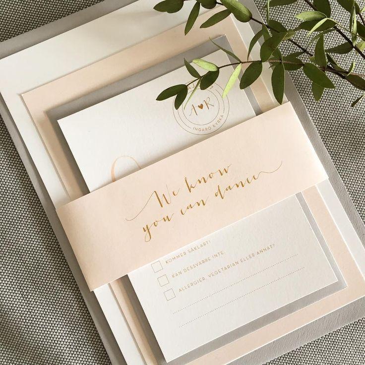 We know you can dance! Inbjudan med tillhörande infokort och osa-kort i aprikos, grått och guld till Anna och Robert!  .  .  .  #weddings #weddinginvites #weddinginvitations #bröllop #bröllopsdag #bröllopsinbjudan #bröllopstrycksaker #vintagewedding #blush #gold #graphicdesign #wedding2017 #weddingtime #bröllop2017 #bröllopsinspiration #weddinginspo #tldbröllopskreatör2017