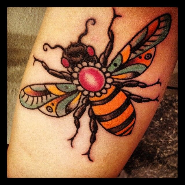 298 best bee goddess folk art images on pinterest for Traditional americana tattoos