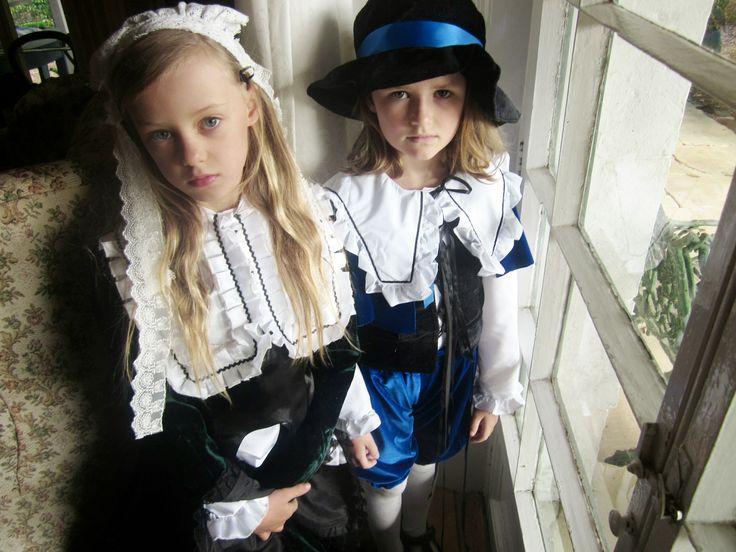 Rozen Maiden twins Souseiseki and Suiseiseki played by Margot and Liana (aged 8) for AICON 2014 Tasmania (Island of Lutruwita)