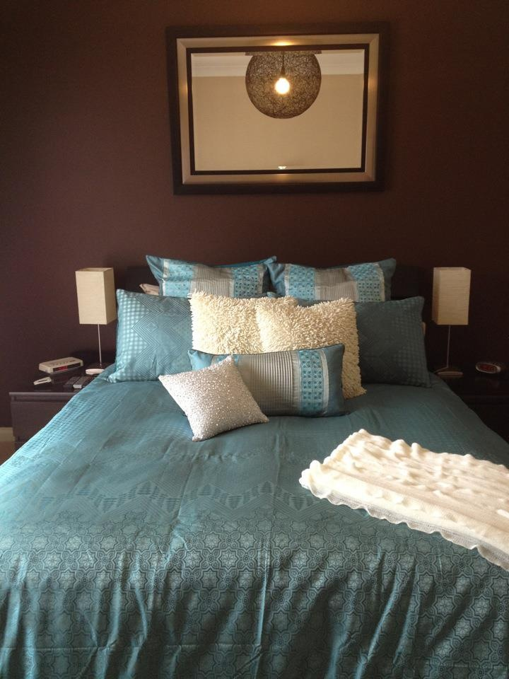 Teal Hampshire from Lorraine Lea Linen on consultants Tam's bed - thanks for sharing Tam