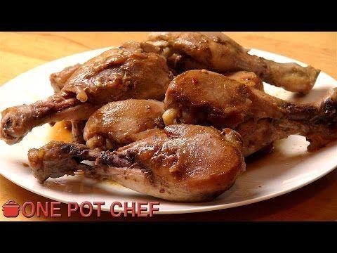 Il commence par déposer des cuisses de poulet dans sa mijoteuse... Ce qu'il ajoute vous donnera envie de l'essayer à la maison - Ma Fourchette