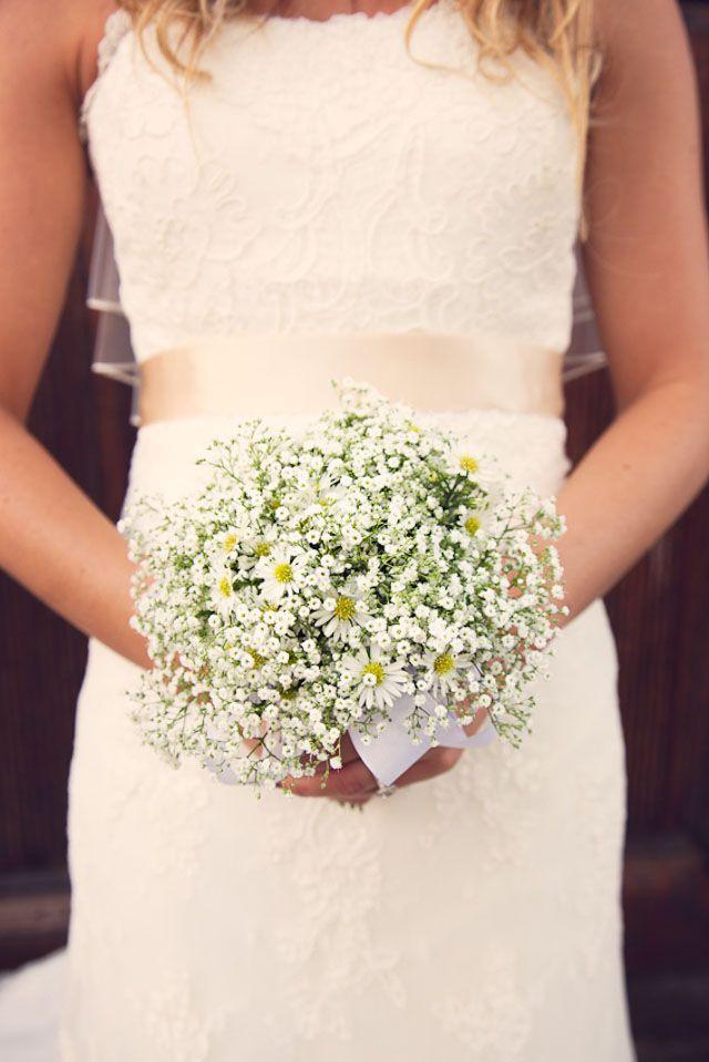 So pure! THE NORWEGIAN WEDDING BLOG | Bryllup fra Gamle Stavanger av Stine Pedersen Photo