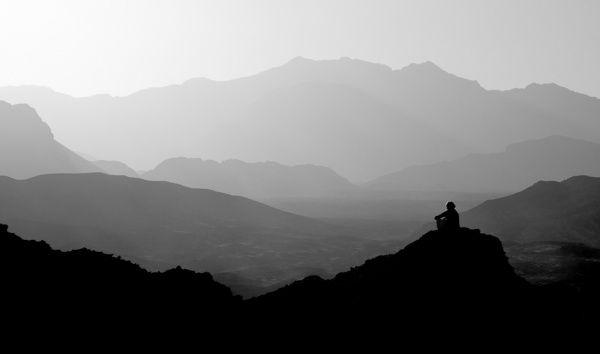 Горы - черно-белые фотографии, в тумане