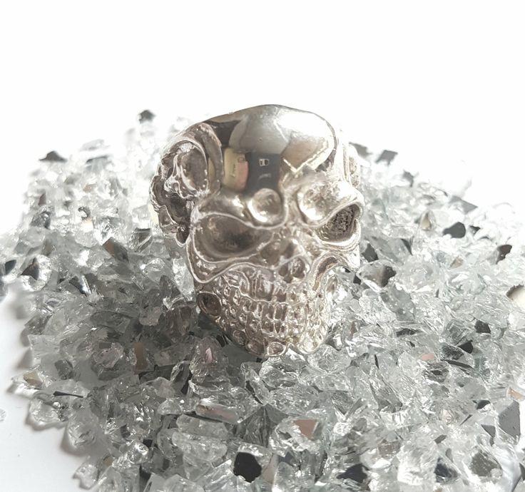 Memento Mori silver ring