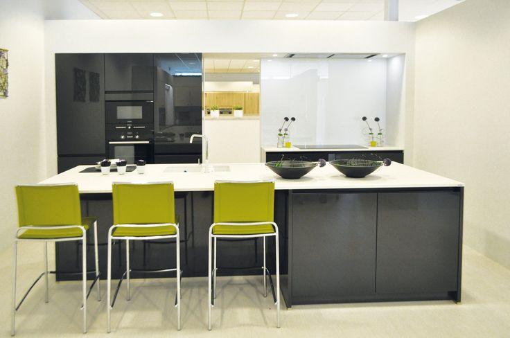 Meer dan 1000 idee n over kleur keukenkasten op pinterest keukenkast kleuren cr mekleurige - Trendkleur keuken ...