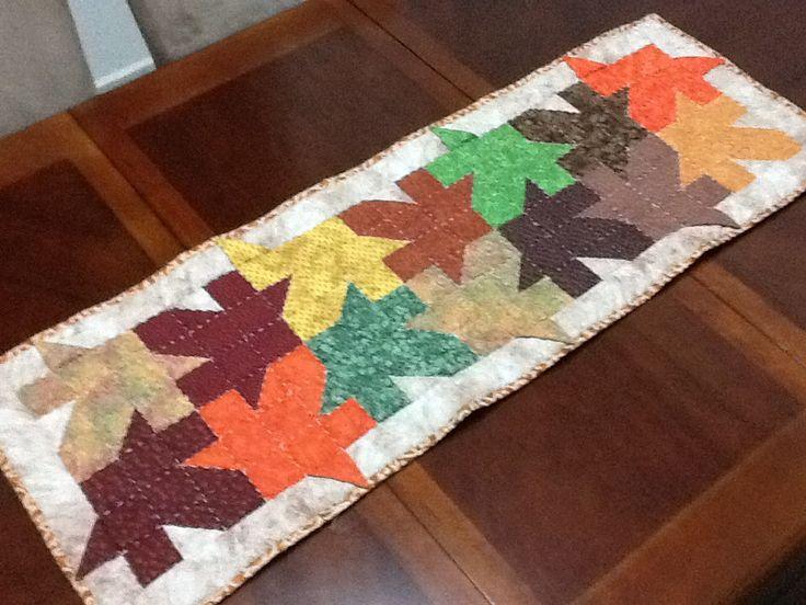 Camino de mesa hoja de maple otoño