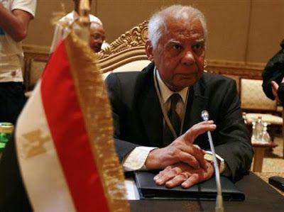 #Internacional: Premiê egípcio escolhe político de esquerda como vice | As autoridades interinas do Egito nomearam o advogado Ziad Bahaa El-Din, membro do esquerdista Partido Social Democrata Egípcio, como vice-primeiro-ministro, informou o primeiro-ministro do país, Hazem el-Beblawi, nesta sexta-feira. http://mmanchete.blogspot.com.br/2013/07/premie-egipcio-escolhe-politico-de.html#.UeA-PflQGSo