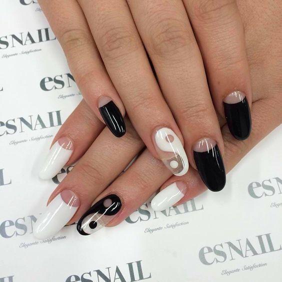Ying-Yang nail art for the win! Source || Pinterest #nails #nailart #beauty