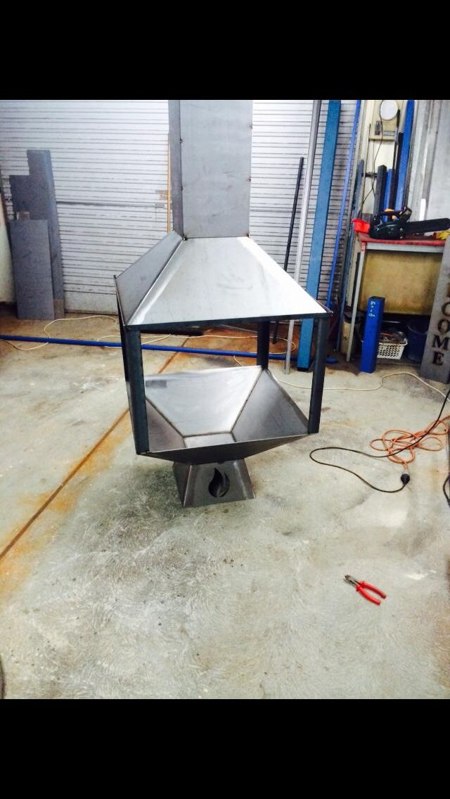 750mm square fire pit with hood and flue