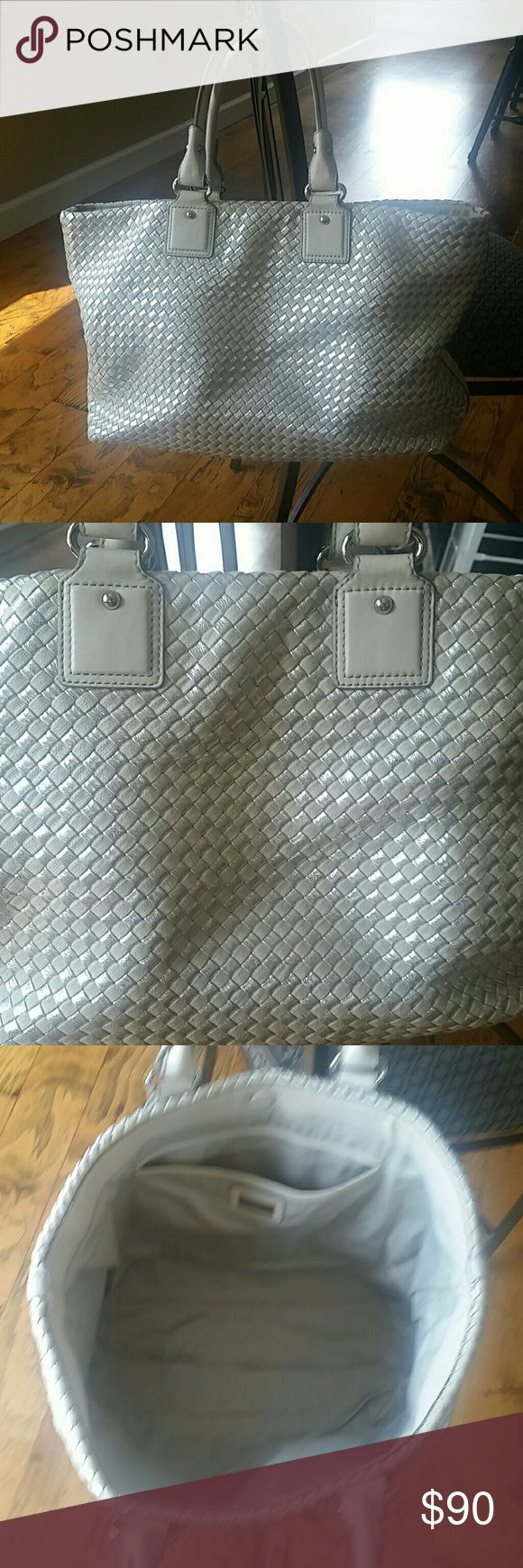 Banana Republic tote bag 12' by 20' Absolutely gorgeous tote.  Details of fabric are above. Used 3xs. Banana Republic Bags Totes