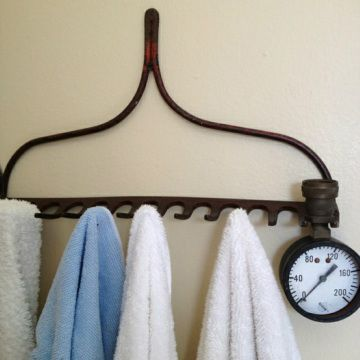 Creative!! Old rake as towel holders, or necklace holders... that is what mom uses it for!!