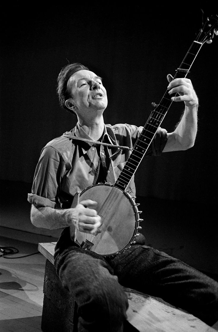 Pete Seeger, Champion of Folk Music and Social Change, Dies at 94 - NYTimes.com At Mosque Theater, Newark, 1965.