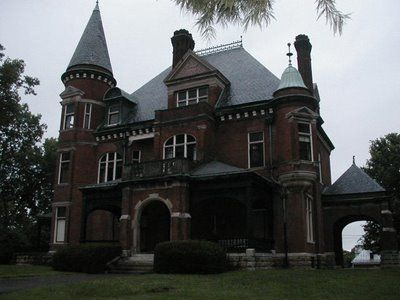 Elmwood Mansion The house is empty now (Emma died in 1970) but the house is still furnished just as it was at the time of her death. Richmond, Kentucky