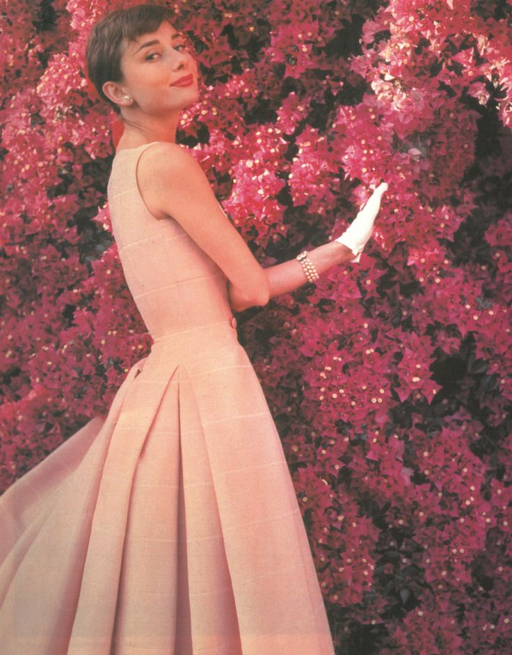 Audrey Hepburn Pictures: Rare Photos Of The Stunning Starlet (PHOTOS)Favorit Things, 25 Timeless, Coral, Audrey Hepburn, Pink, Old Photo, Rare Photo, Timeless Styles, Actresses