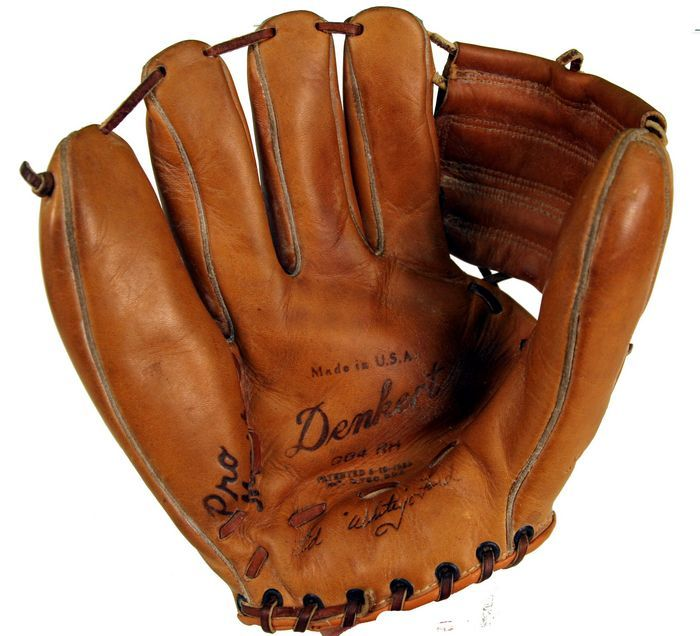 my brother allies baseball mitt My brother allie and his baseball mitt of poems my brother allie had this left-handed fielder's mitt he was left-handed the thing that was descriptive about it, though, was that he had poems written all over the fingers and the pocket and everywhere.