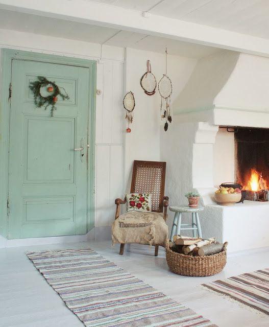 Roser og Patina: cosy yet minimalist room