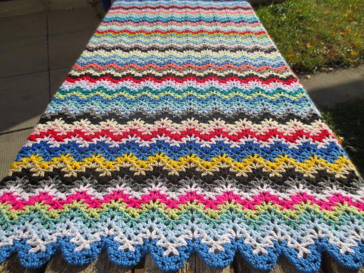 Vintage ripple blanket (pattern for purchase)