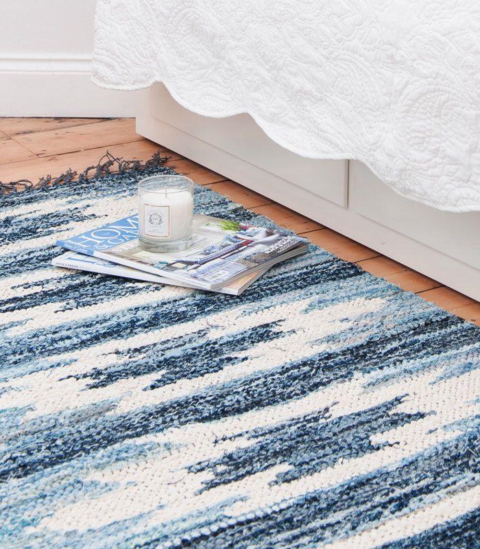 Kelim Stil blau & weiß schwedische Flickenteppich von Skandihome auf Etsy https://www.etsy.com/de/listing/205653834/kelim-stil-blau-weiss-schwedische