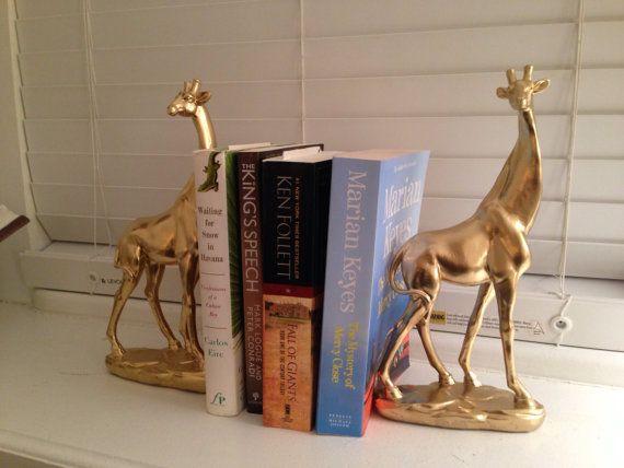 Gouden giraffe boekensteunen giraffe ornamenten door 10kiaatstreet