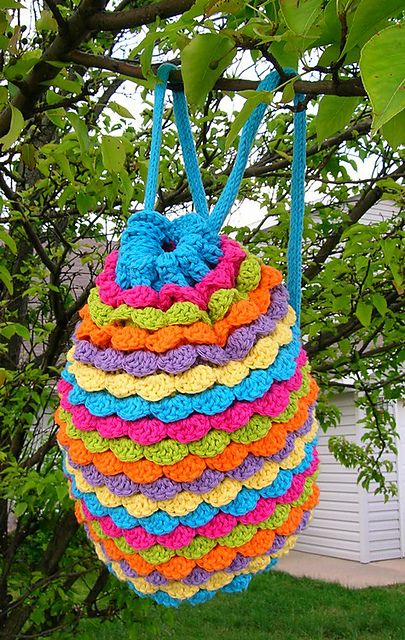 LOVE THIS- it's a free patten! Spring Petals Backpack-Free Ravelry download.