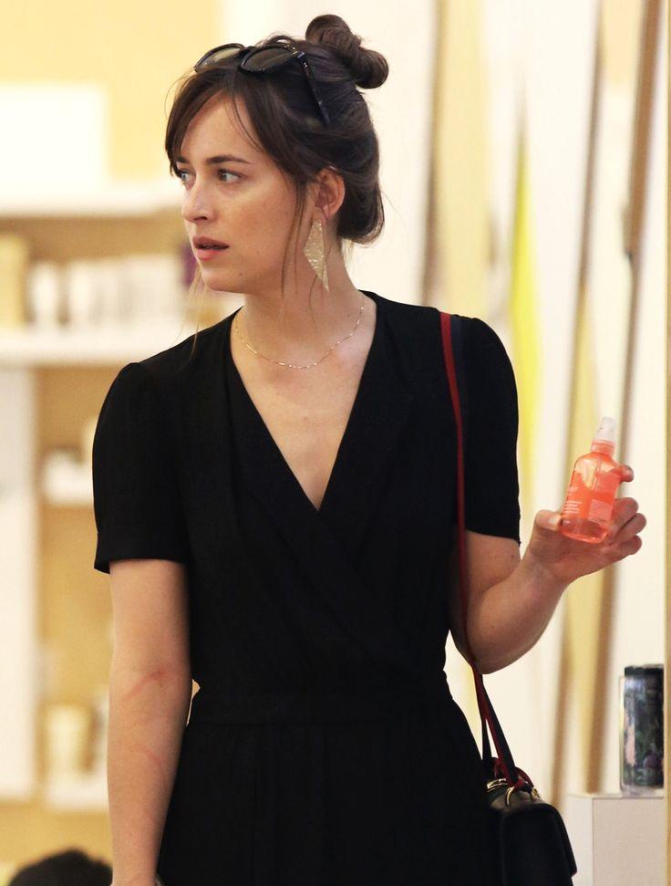 Dakota Johnson spotted shopping in NYC - 8 September 2016
