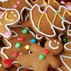 Recette facile de biscuits de Noël au pain d'épice à réaliser avec les enfants !!