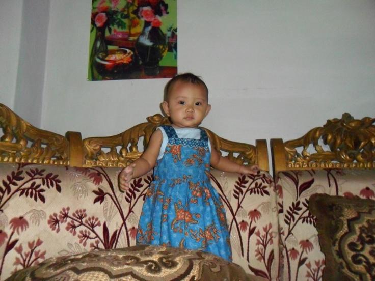 Ratu kecil kami... :)  Foto oleh Bapak Smile Islam Saksono dari Jakarta. Terima kasih atas fotonya!