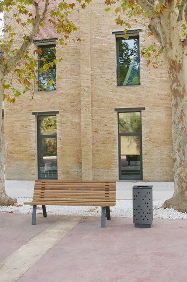 Banco Curve + papelera Square #streetfurniture #urban #design