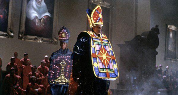 Ecclesiastical fashion parade in Federico Fellini's Roma