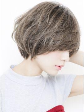 綺麗な後頭部サイドシルエットのショートボブスタイル - 24時間いつでもWEB予約OK!ヘアスタイル10万点以上掲載!お気に入りの髪型、人気のヘアスタイルを探すならKirei Style[キレイスタイル]で。