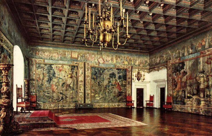 zamek na wawelu wnętrze