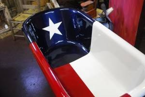 Yep, a Texas tub — only in Texas! - Leigh would want this, when I met him he had a texas shower curtain and texas plates etc. omg