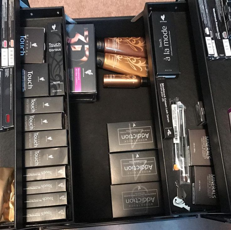 "0 Likes, 1 Comments - Corina Metz-Hemming (@thalashlady1) on Instagram: ""#earnedit #makeup #perks #lovemyjob #spoiled #younique #forsale #order #pmme"""